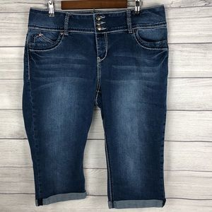 Royalty For Me Women's Jean Capris Size 16